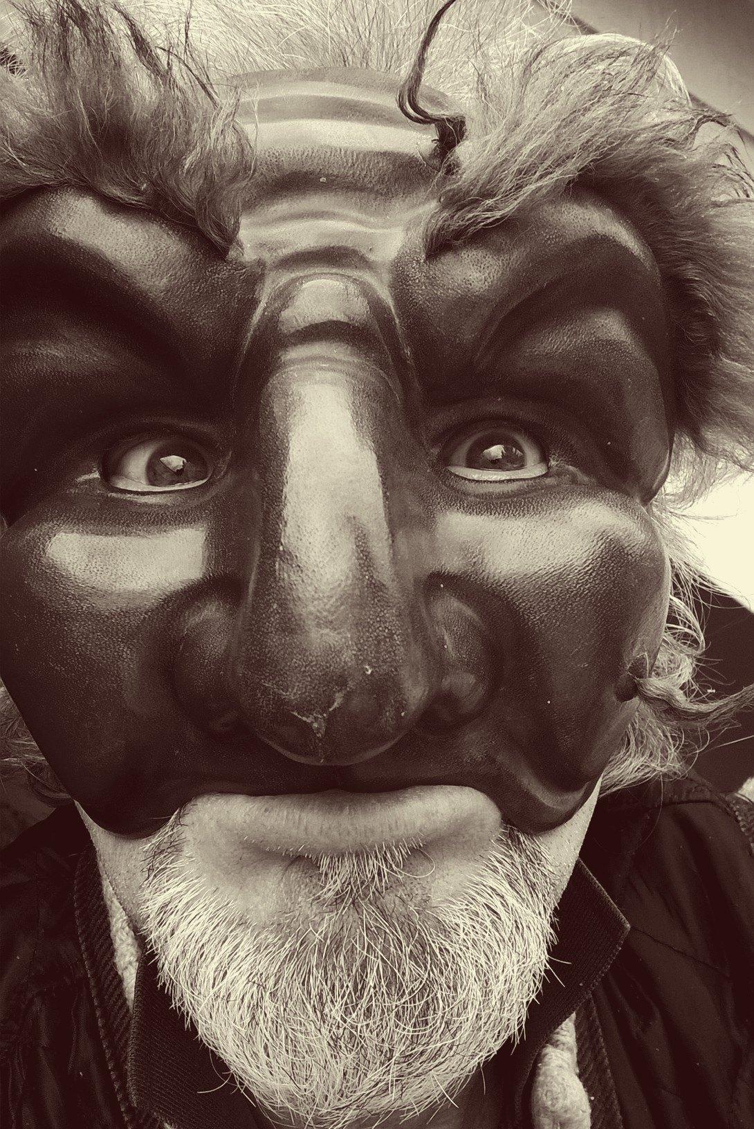 Stage de masques en cuir par Renzo Sindoca